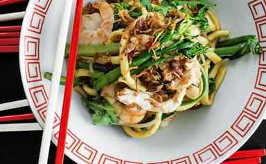 Chicken, chilli, prawn and egg noodles