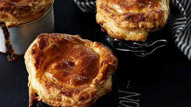 Chicken, fig and lemon pies