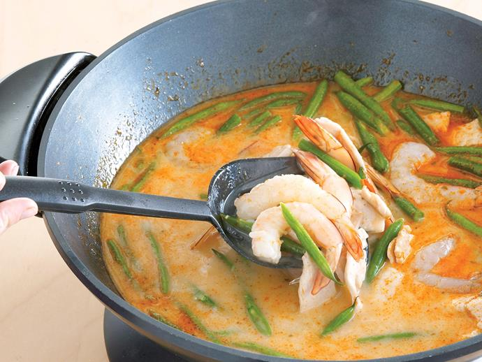 """[Tom yum goong (hot and sour prawn soup)](https://www.womensweeklyfood.com.au/recipes/tom-yum-goong-hot-and-sour-prawn-soup-6778