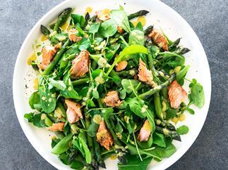 Smoked salmon and asparagus salad