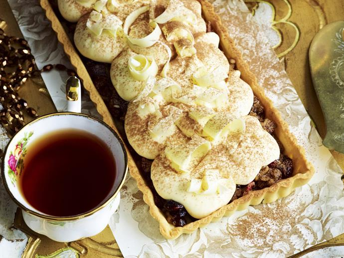 "**[Fruit mince tart with white chocolate cream](https://www.womensweeklyfood.com.au/recipes/fruit-mince-tart-with-white-chocolate-cream-14729|target=""_blank"")**"