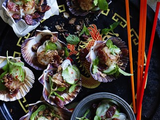 sesame and ginger scallops withchinesesausagesalad