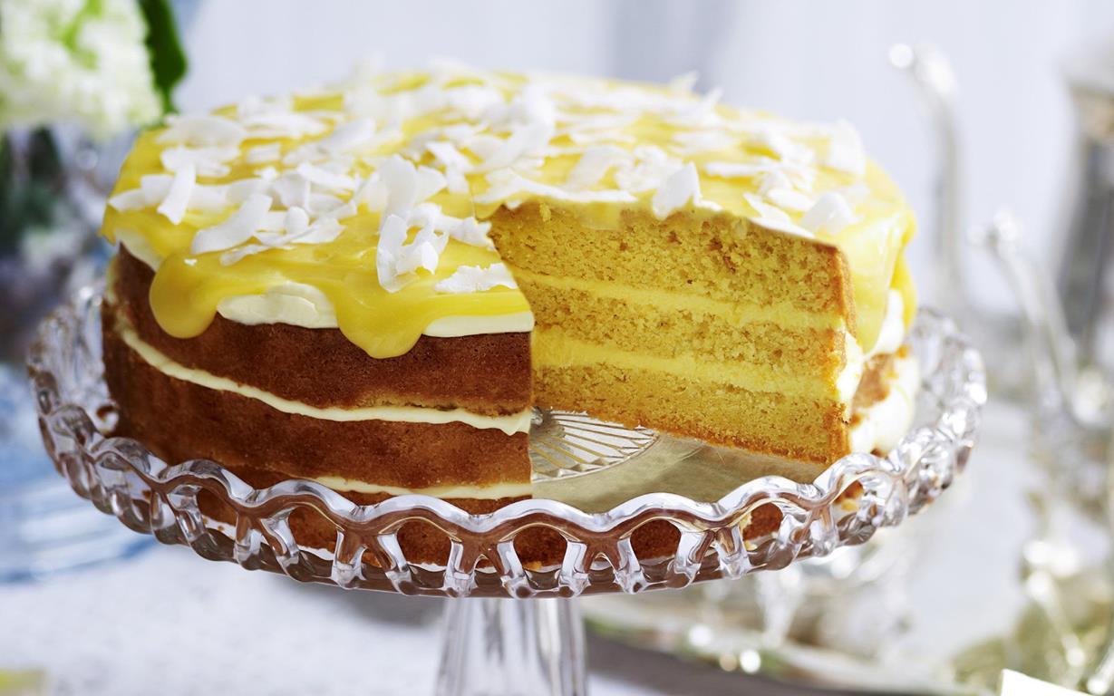 Coconut Flour Lemon Cake With Lemon Curd