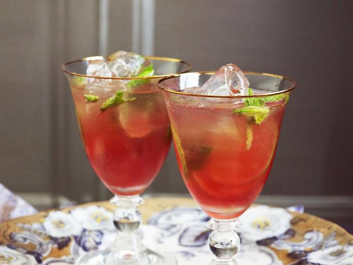 "**[Classic cosmopolitan cocktail](https://www.womensweeklyfood.com.au/recipes/classic-cosmopolitan-cocktail-14489|target=""_blank"")**  You can add some thinly sliced blood orange as well as the lime to this classic cosmopolitan if you like."