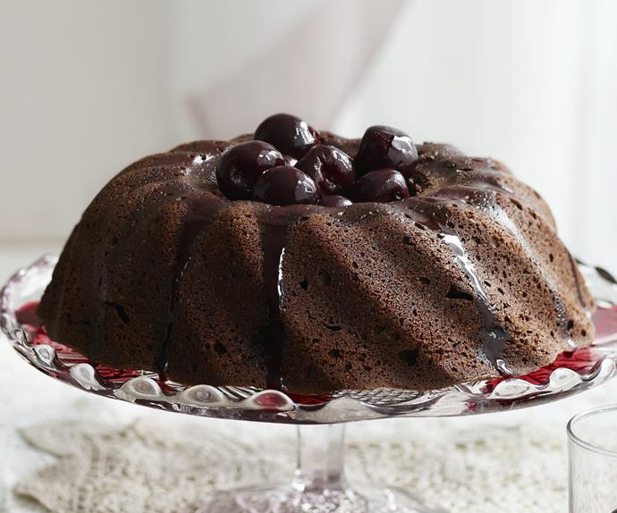 CHOCOLATE CINNAMON CAKE WITH CHERRY AND RED WINE SYRUP