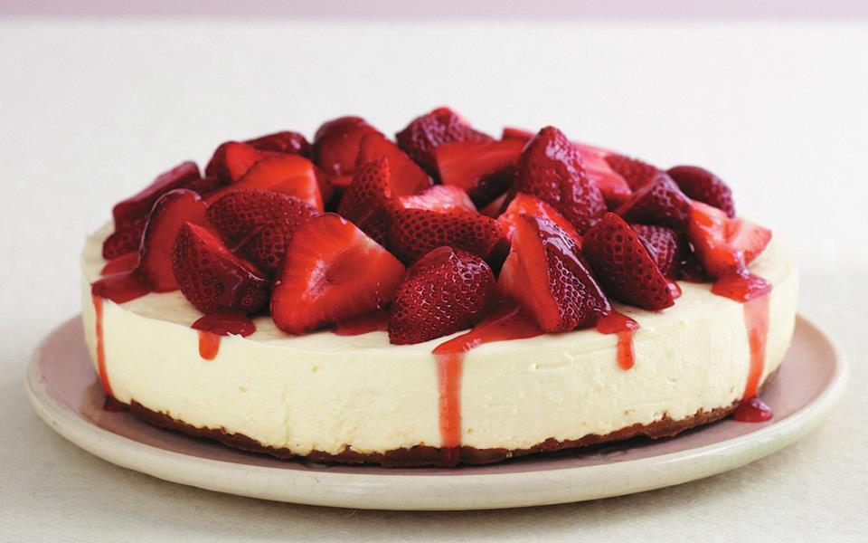 White chocolate strawberry cheesecake recipe | Australian ...