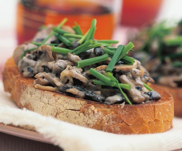 creamy mushroom bruschetta
