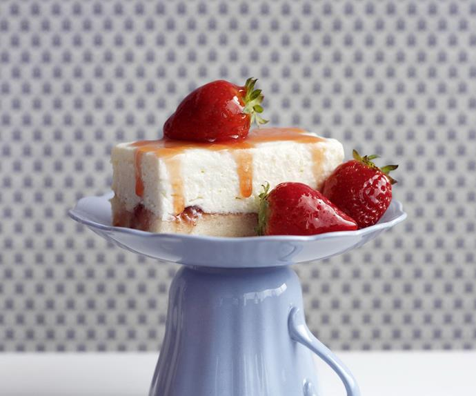 low-fat strawberries and cream cheesecake