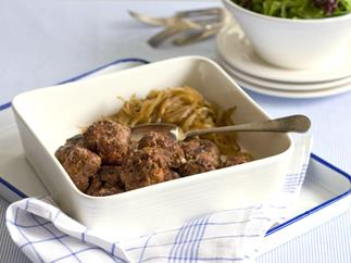 rissoles with grilled onions