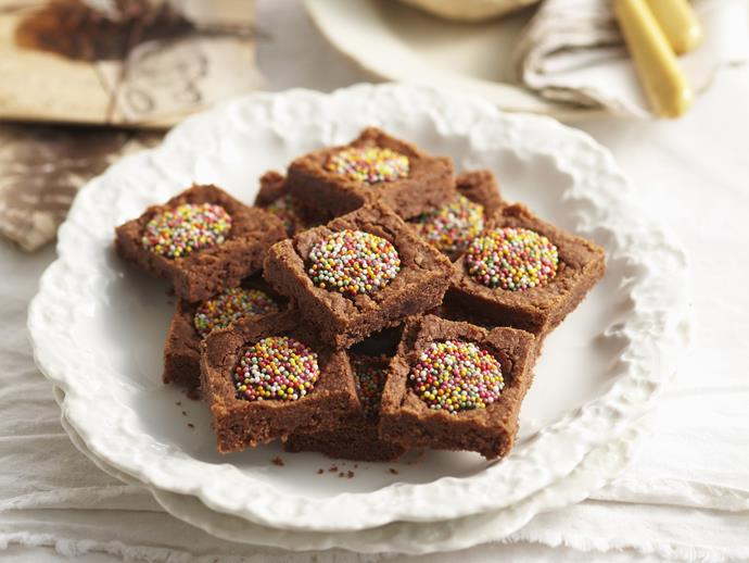 "**[Chocolate freckle slice](https://www.womensweeklyfood.com.au/recipes/chocolate-freckle-slice-14201|target=""_blank"")**"