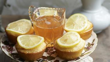 Lemon and pink grapefruit syrup cakes