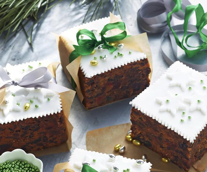 gift Christmas cakes