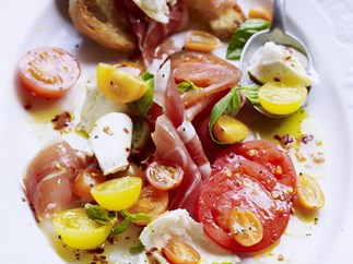 HEIRLOOM TOMATO SALAD WITH PROSCIUTTO