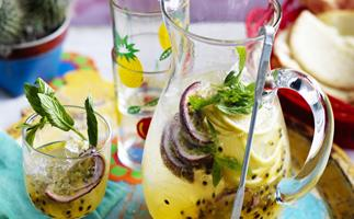PASSIONFRUIT PISCO PUNCH