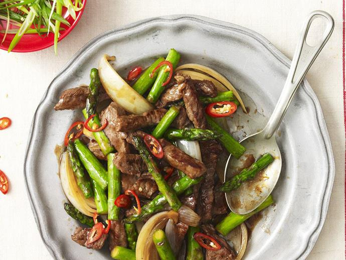"**[Beef with asparagus & oyster sauce](https://www.womensweeklyfood.com.au/recipes/beef-with-asparagus-and-oyster-sauce-16514|target=""_blank"")**"