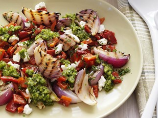 barbecued red onion, capsicum & goat's cheese with mint chimichurri