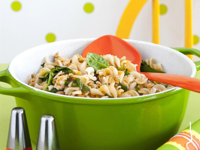 """**[Chicken lentil and spinach pasta](https://www.womensweeklyfood.com.au/recipes/chicken-lentil-and-spinach-pasta-12748 target=""""_blank"""")**"""