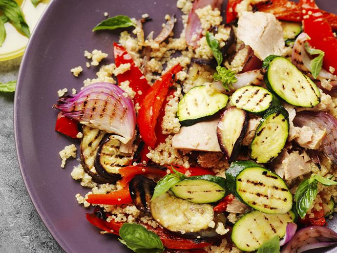 "**[Quinoa salad with char-grilled vegetables and tuna](http://www.womensweeklyfood.com.au/recipes/quinoa-salad-with-char-grilled-vegetables-and-tuna-12977|target=""_blank"")**"
