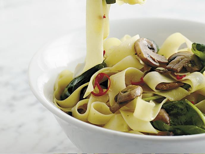 """**[Fettuccine with mushrooms and chilli](https://www.womensweeklyfood.com.au/recipes/fettuccine-with-mushrooms-and-chilli-12549