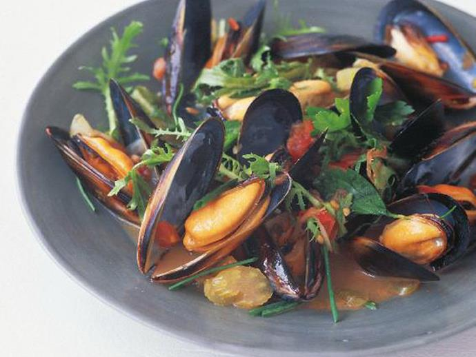 """**[Steamed belgian mussels in white wine and garlic](https://www.womensweeklyfood.com.au/recipes/steamed-belgian-mussels-in-white-wine-and-garlic-12554