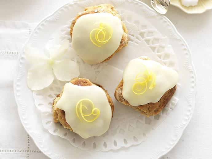 "**[Gingerbread scones with lemon glace icing](https://www.womensweeklyfood.com.au/recipes/gingerbread-scones-with-lemon-glace-icing-12630|target=""_blank"")**"