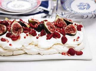 pavlova with figs and pomegranate