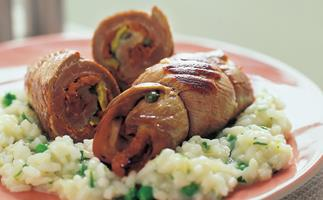 veal braciole with rice and peas