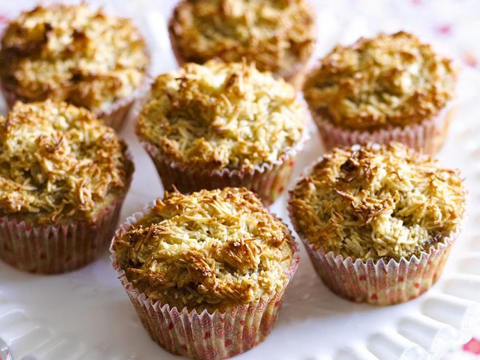 """**[Hummingbirdcakes with coconut crust](https://www.womensweeklyfood.com.au/recipes/hummingbirdcakes-with-coconut-crust-12240