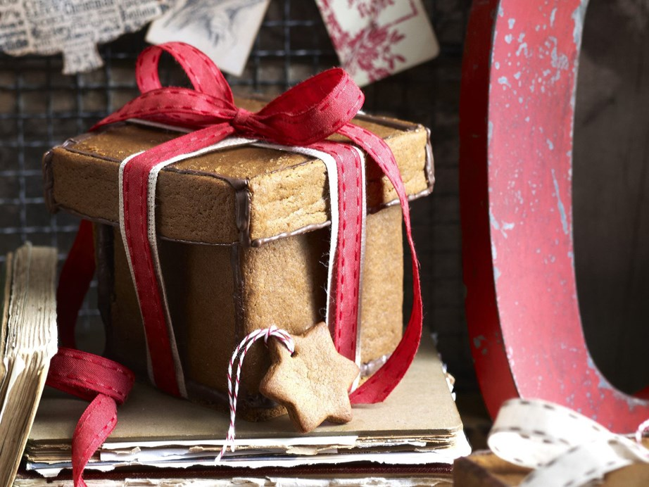 "**[Gingerbread gift boxes](https://www.womensweeklyfood.com.au/recipes/gingerbread-gift-boxes-5099|target=""_blank"")**  These gingerbread gift boxes are an adorable (and edible) way to package up any sweet treat. Go all out this Christmas and whip up a bunch for dessert."
