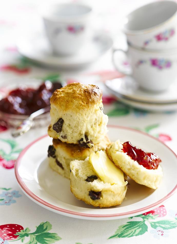 "**[Sultana and lemon scones](https://www.womensweeklyfood.com.au/recipes/sultana-and-lemon-scones-4892|target=""_blank"")**"