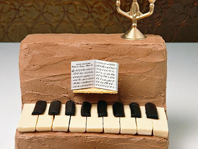 """**[Easy piano birthday cake](https://www.womensweeklyfood.com.au/recipes/piano-player-4921