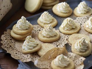melt-in-the-mouth eggnog shortbreads