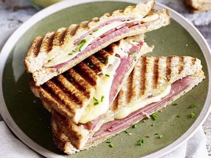 "**[Rare roast beef and gruyère jaffle](http://www.womensweeklyfood.com.au/recipes/rare-roast-beef-and-gruyere-jaffle-4884 |target=""_blank"")** Chives, beef and creamy cheese is the winning trifecta in this toastie."