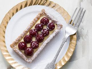 raspberry eggnog tartlets