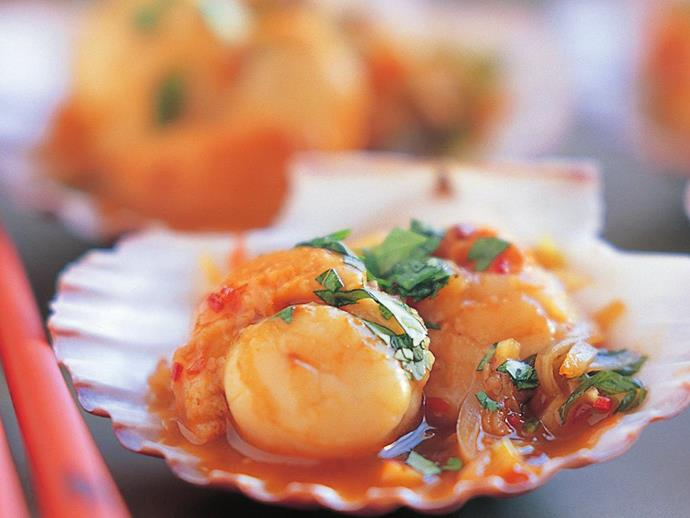 "**[Chilli scallops](https://www.womensweeklyfood.com.au/recipes/chilli-scallops-11454|target=""_blank"")**  Sweet and fiery, these plump scallops make an excellent starter for an Asian-themed dinner."
