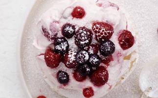 berry pavlova cheesecakes