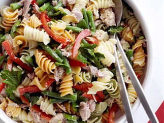 pasta salad with green beans and tuna