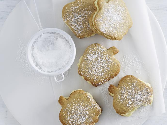 "These [apple-shaped biscuits](https://www.womensweeklyfood.com.au/recipes/apple-crumble-custard-creams-10772|target=""_blank"") taste great just as they are, unfilled. But, for something special, the custard cream filling gives these biscuits the wow factor."
