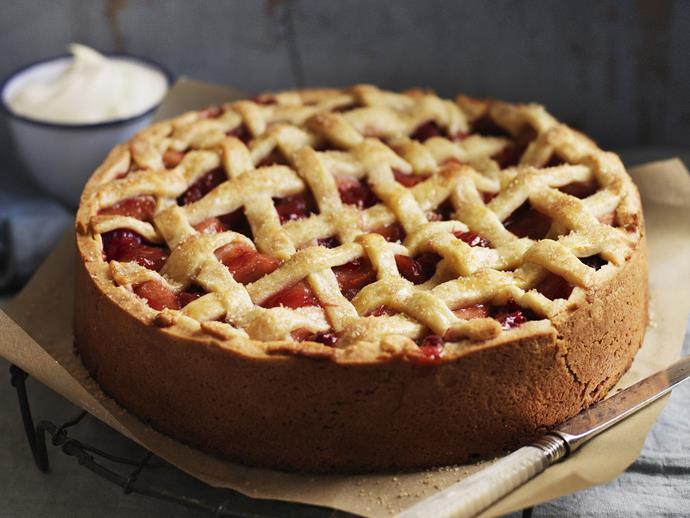 "[Caramelised apple and rhubarb pie recipe.](http://www.foodtolove.com.au/recipes/caramelised-apple-and-rhubarb-pie-23495|target=""_blank"")"