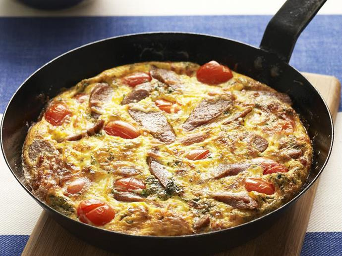 "**[Sausage, tomato and basil frittata](https://www.womensweeklyfood.com.au/recipes/sausage-tomato-and-basil-frittata-4172|target=""_blank"")**"