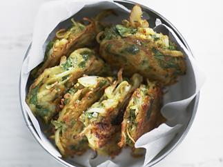 ONION & SPINACH PAKORAS WITH CUCUMBER RAITA