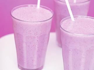 mixed berry soy smoothie