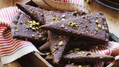 Chocolate pistachio shortbread