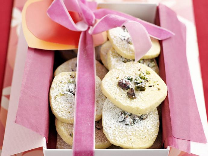 "**[Pistachio shortbread](https://www.womensweeklyfood.com.au/recipes/pistachio-shortbread-3943|target=""_blank"")**"