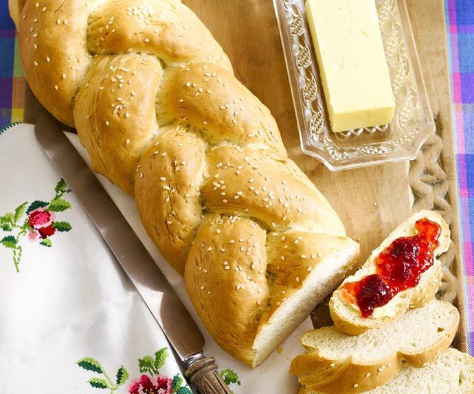 plaited finger buns white bread