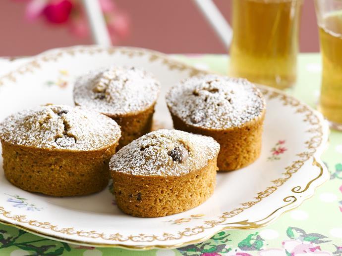 "**[Caramel choc-chip mud cakes](https://www.womensweeklyfood.com.au/recipes/caramel-choc-chip-mud-cakes-9426|target=""_blank"")**"