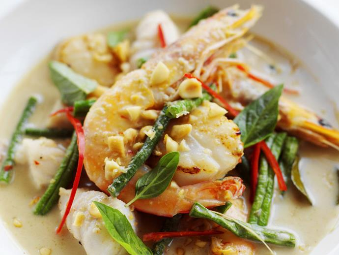 "**[Panang fish curry](https://www.womensweeklyfood.com.au/recipes/panang-fish-curry-3635|target=""_blank"")**"