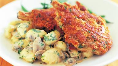 Veal with gnocchi in garlic mushroom sauce
