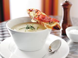 cauliflower soup with cheese and bacon toasts