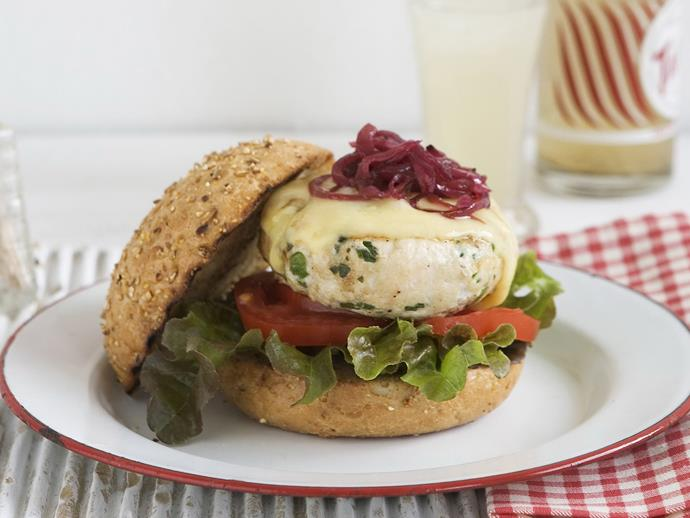 "**[Turkey burger with cranberry onions](https://www.womensweeklyfood.com.au/recipes/turkey-burger-with-cranberry-onions-8729|target=""_blank"")**"